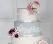 Subscribe to Wedding Cakes magazine today at www.squires-shop.com/catalogue/magazine-subscriptions