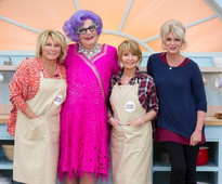 The Great Comic Relief Bake Off Jennifer Saunders Dame Edna Lulu Joanna Lumley