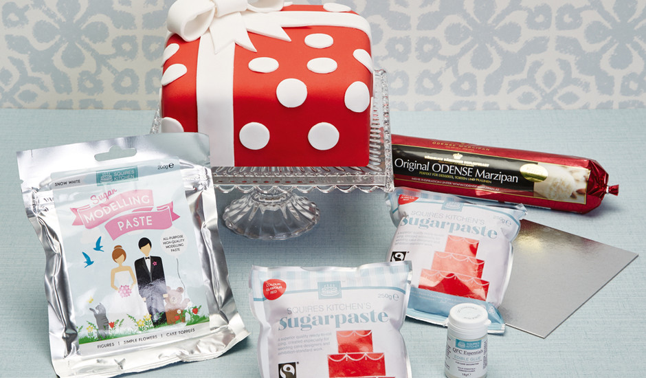 Best Cake Decorating Kits For Beginners : Cakes & Sugarcraft Magazine Cake Chat Win a FREE Cake ...