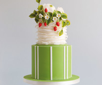 Find out how to make this cake in the July/August 2020 issue of Cakes & Sugarcraft magazine