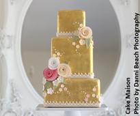 Gold wedding cake by Cake Maison from www.cakesandsugarcraft.com